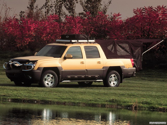 Chevrolet Avalanche Base Camp Concept (2000)