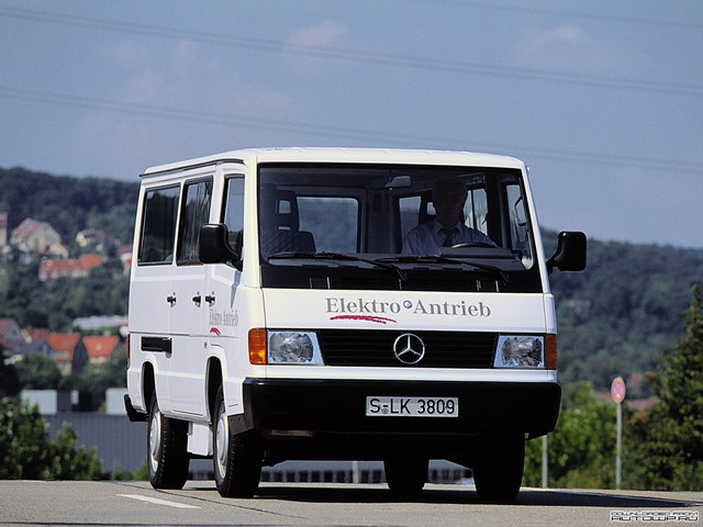 Mercedes-Benz MB100 B2 Elektro Antrieb Prototype (1994)